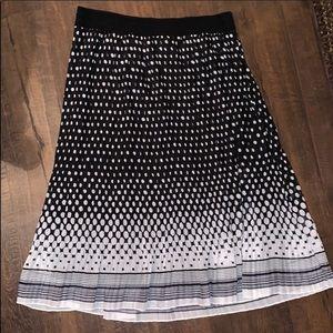 ♡5/$25♡ Metro Wear Black & White Polka Dot Skirt
